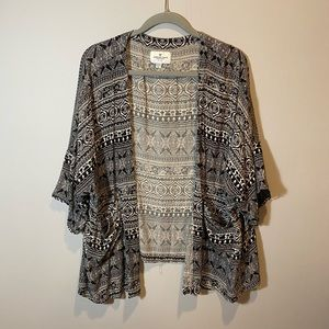 American Eagle Patterned Shawl